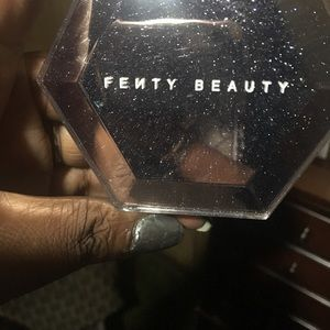 Fenty Beauty Makeup - Fenty beauty by Rhianna diamond bomb